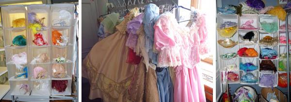 После экскурсии по интерьерам Елагиноостровского дворца группа отправляется в костюмерную, где каждый может подобрать себе понравившийся наряд.